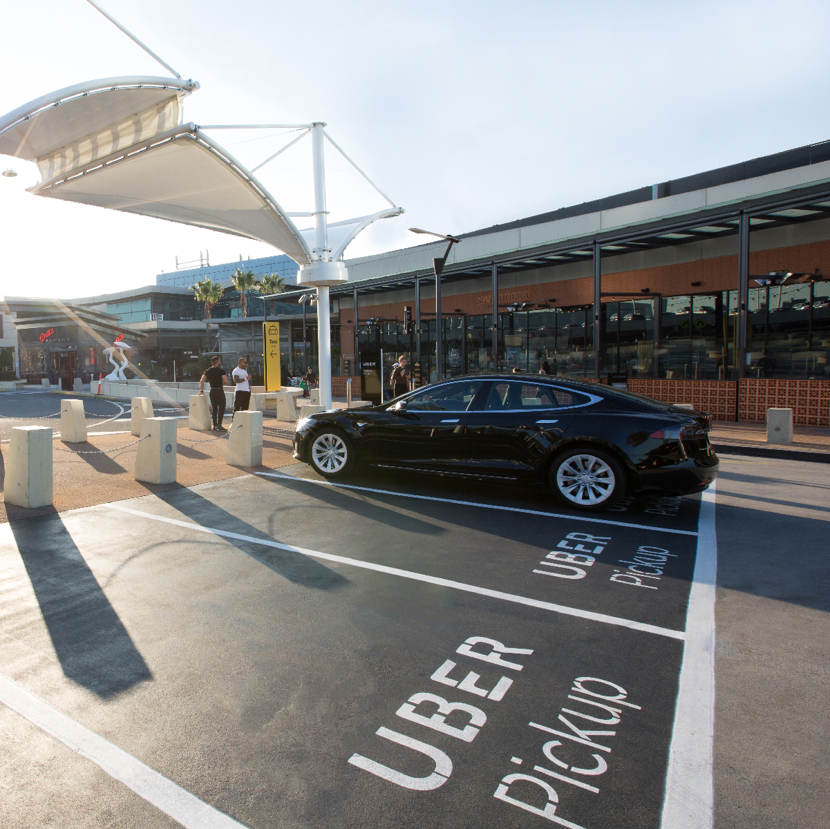 Celebrating The New Pickup And Dropoff Locations At Chadstone The