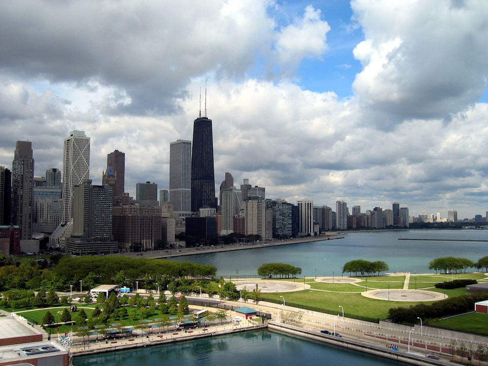 Five unique places to stay in chicago uber blog for Where to stay in chicago